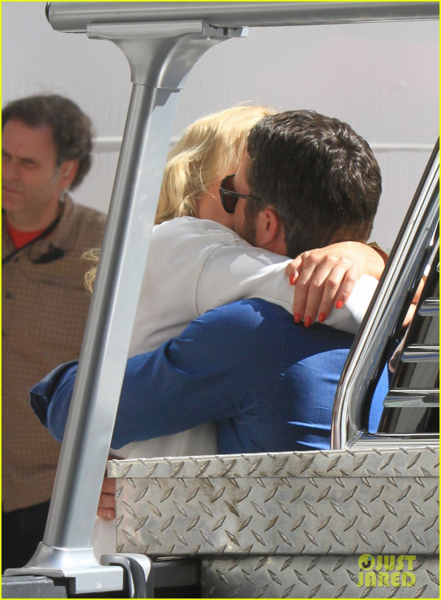 cameron diaz taylor kinney kiss for other woman 392884996