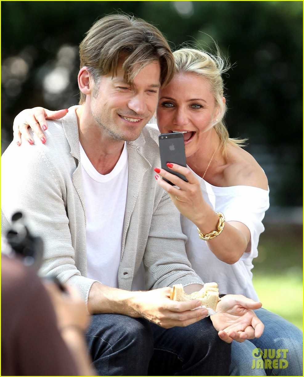 cameron diaz nikolaj coster waldau lock lips on set 042897603