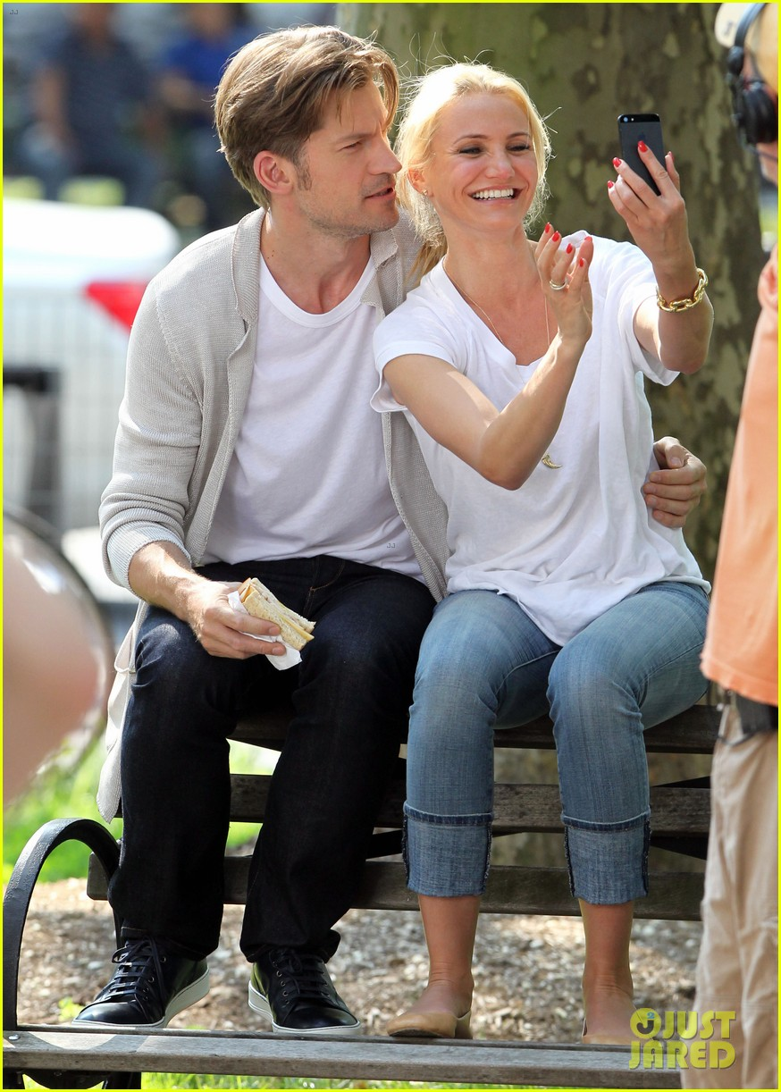 cameron diaz nikolaj coster waldau lock lips on set 102897609