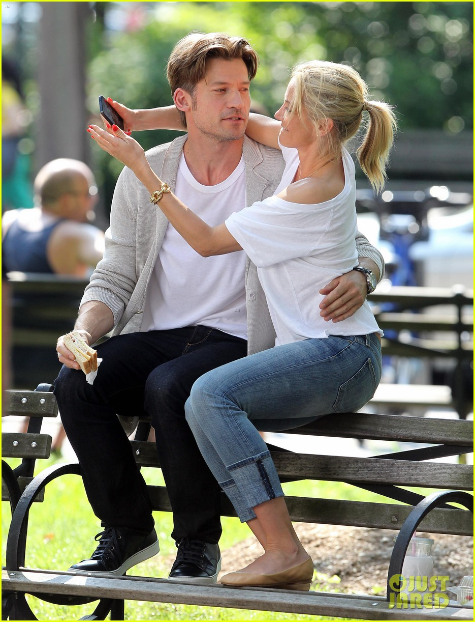 cameron diaz nikolaj coster waldau lock lips on set 12