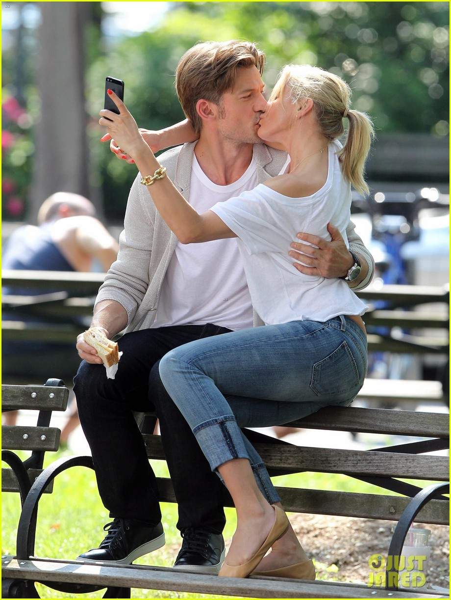 cameron diaz nikolaj coster waldau lock lips on set 14