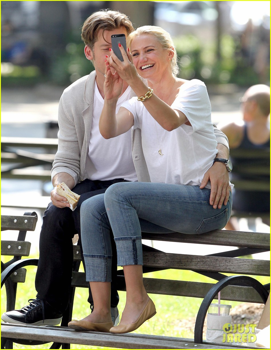 cameron diaz nikolaj coster waldau lock lips on set 172897616