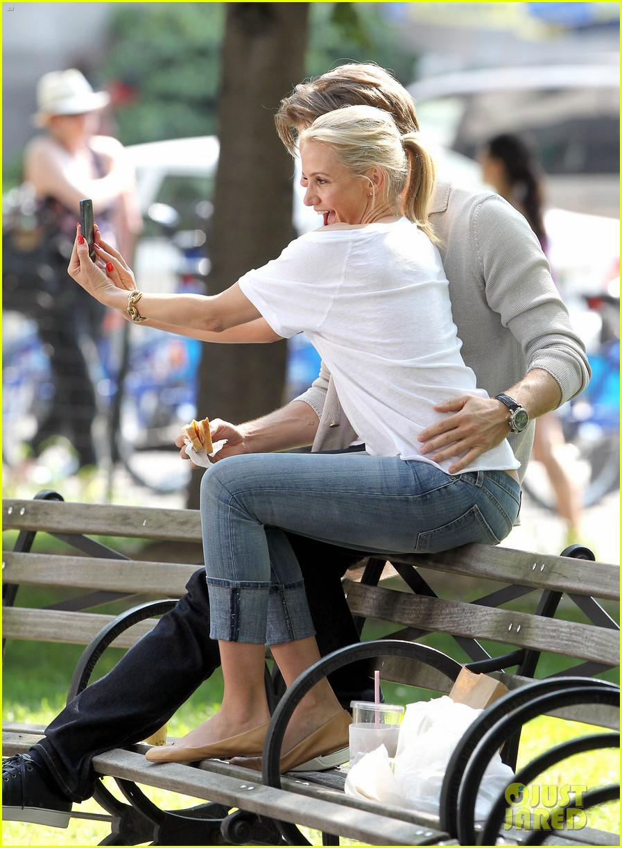 cameron diaz nikolaj coster waldau lock lips on set 182897617