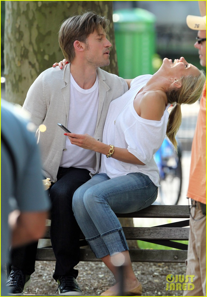 cameron diaz nikolaj coster waldau lock lips on set 19