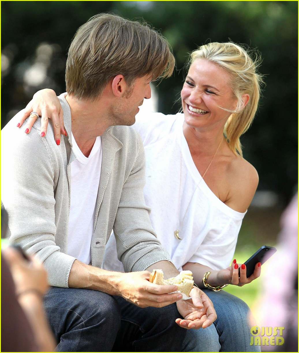 cameron diaz nikolaj coster waldau lock lips on set 212897620