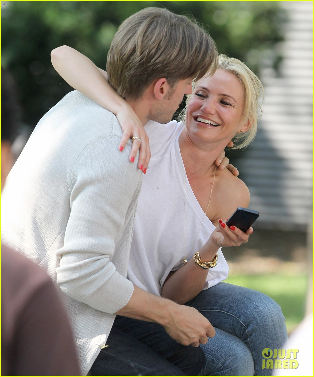 cameron diaz nikolaj coster waldau lock lips on set 252897624