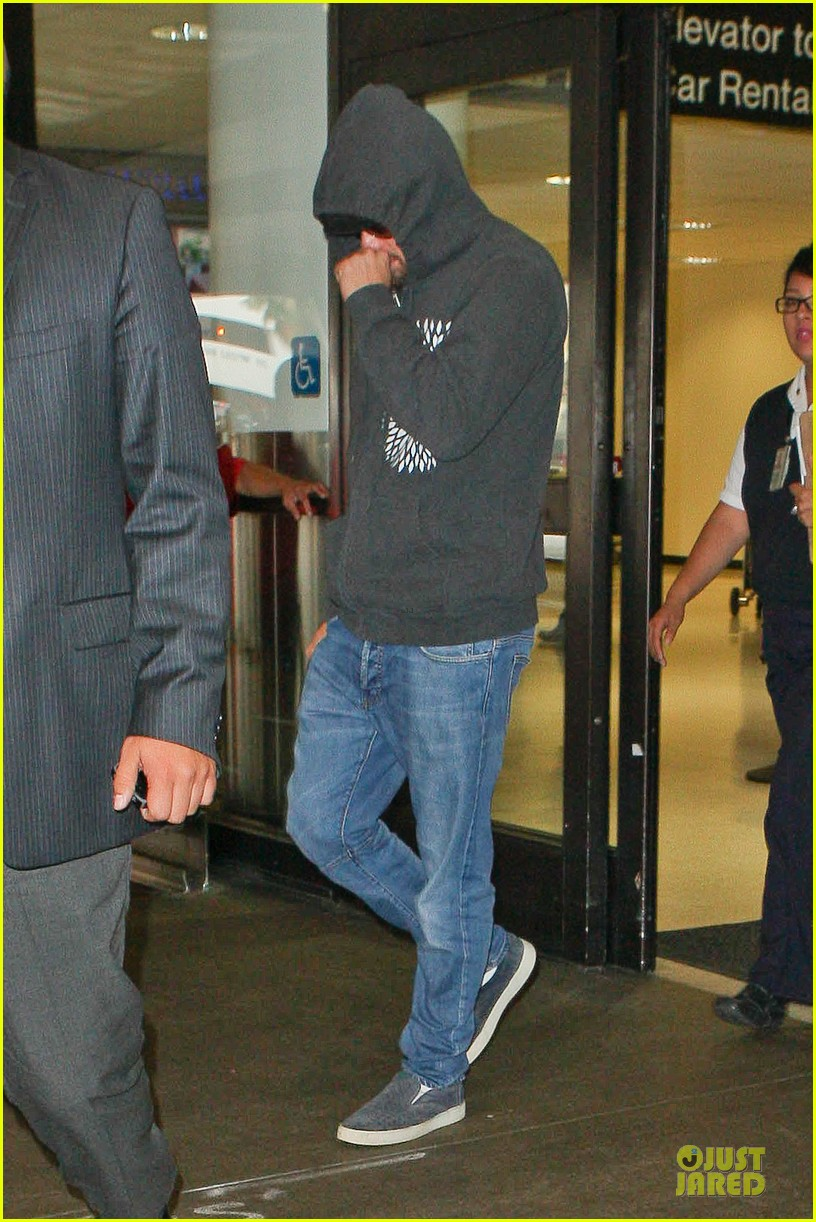 leonardo dicaprio lax landing after french open 012890273