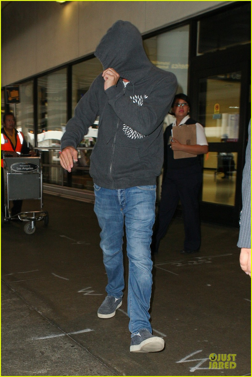 leonardo dicaprio lax landing after french open 062890278