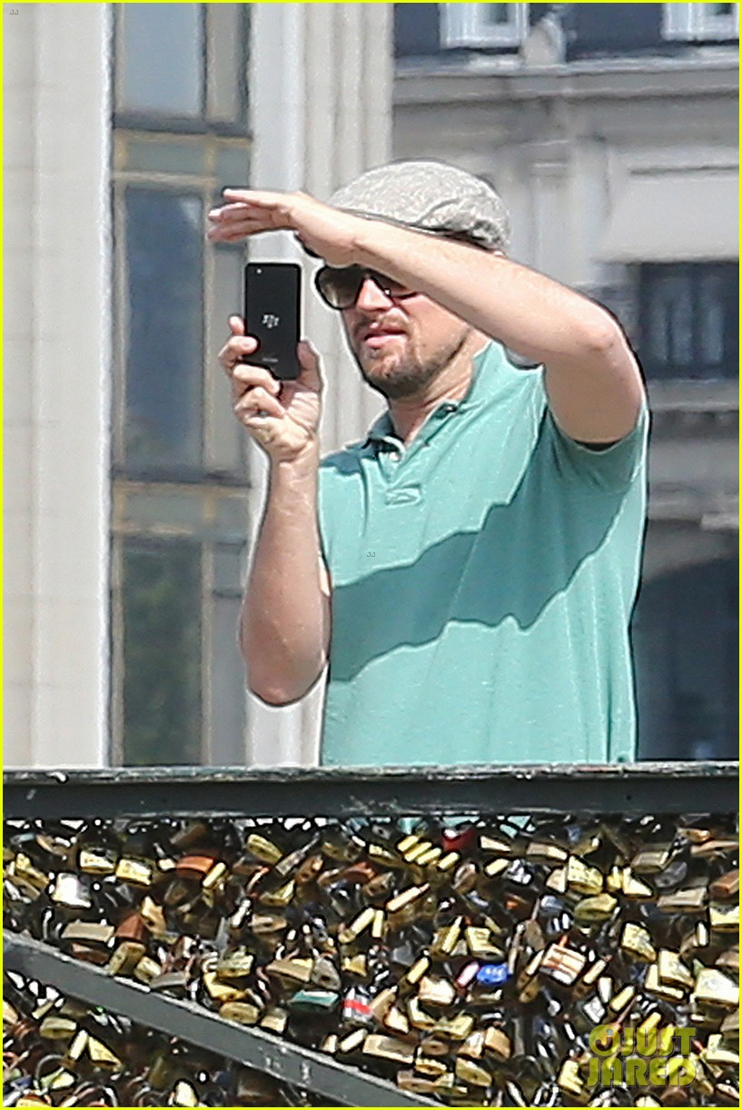 leonardo dicaprio visits famous love locks in paris 212883746