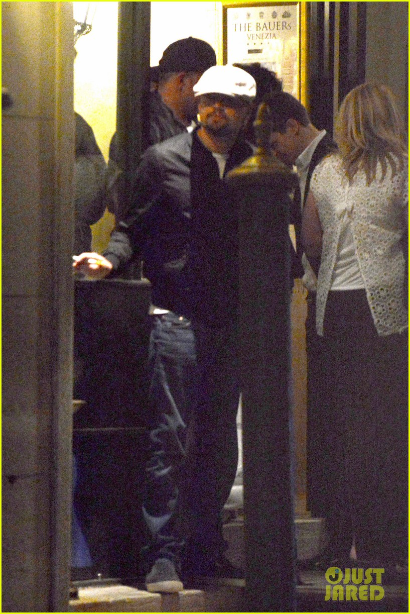 leonardo dicaprio venice night out with mom irmelin 102882272