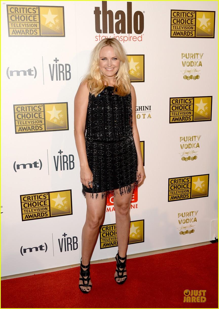 julia louis dreyfus malin akerman critics choice television awards 2013 red carpet 03