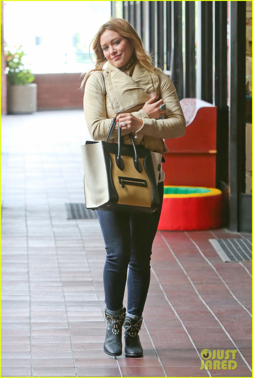 hilary duff daily outings with luca 212890854