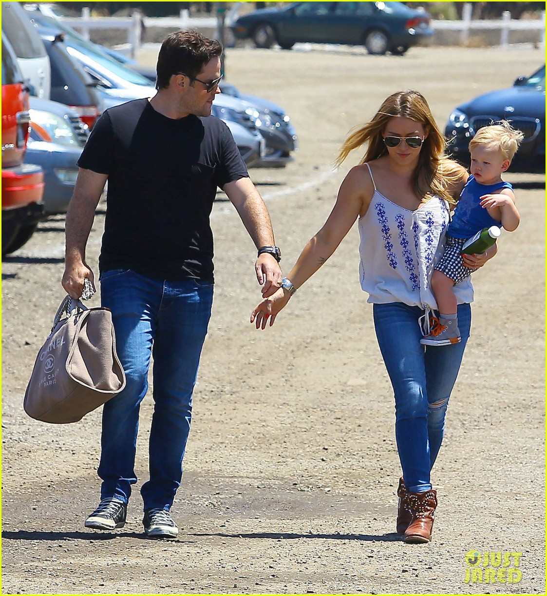 hilary duff family farm fun with sister haylie 102896818