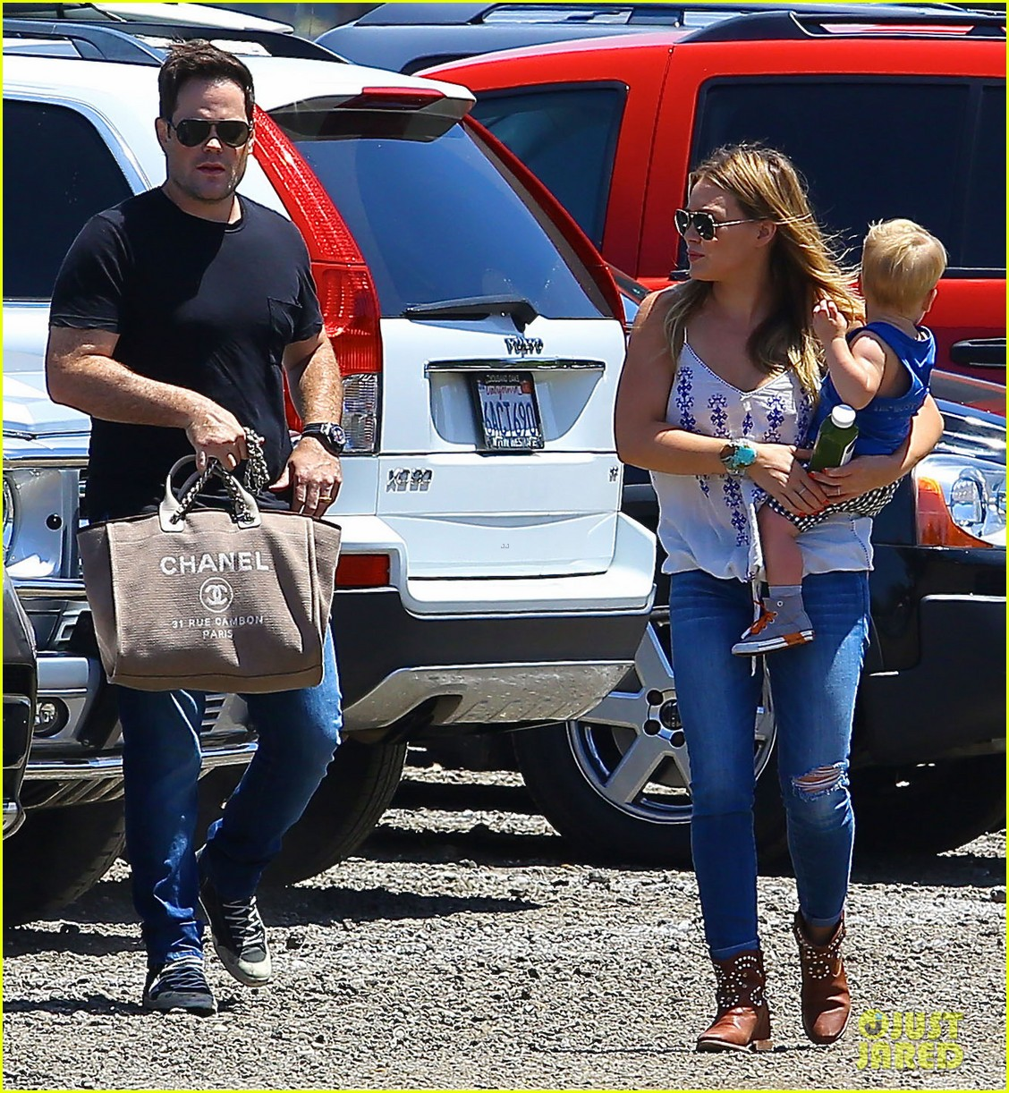 hilary duff family farm fun with sister haylie 17