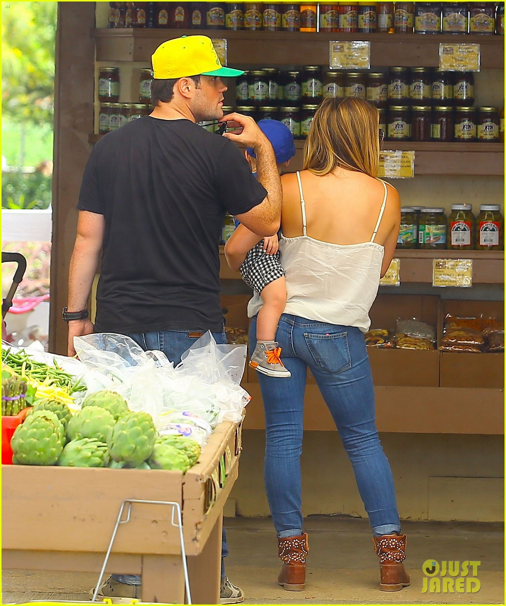 hilary duff family farm fun with sister haylie 292896837