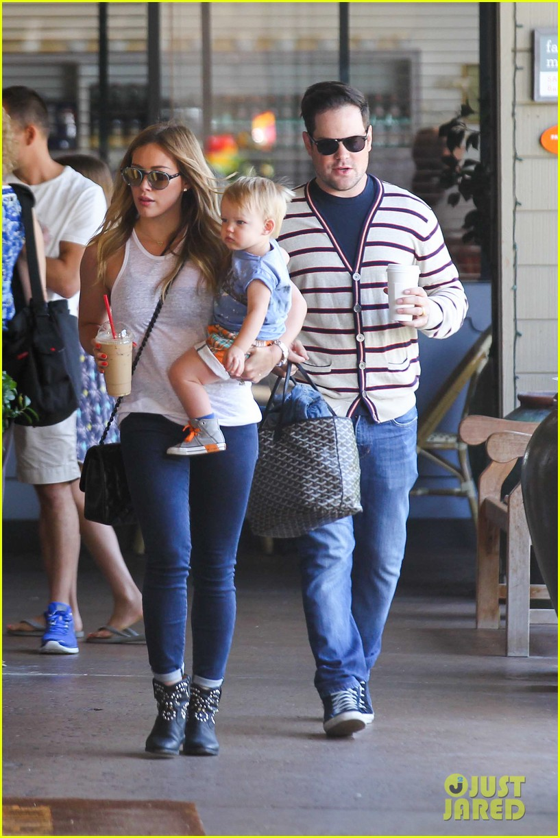 hilary duff fathers day weekend mike comrie baby luca 042892671