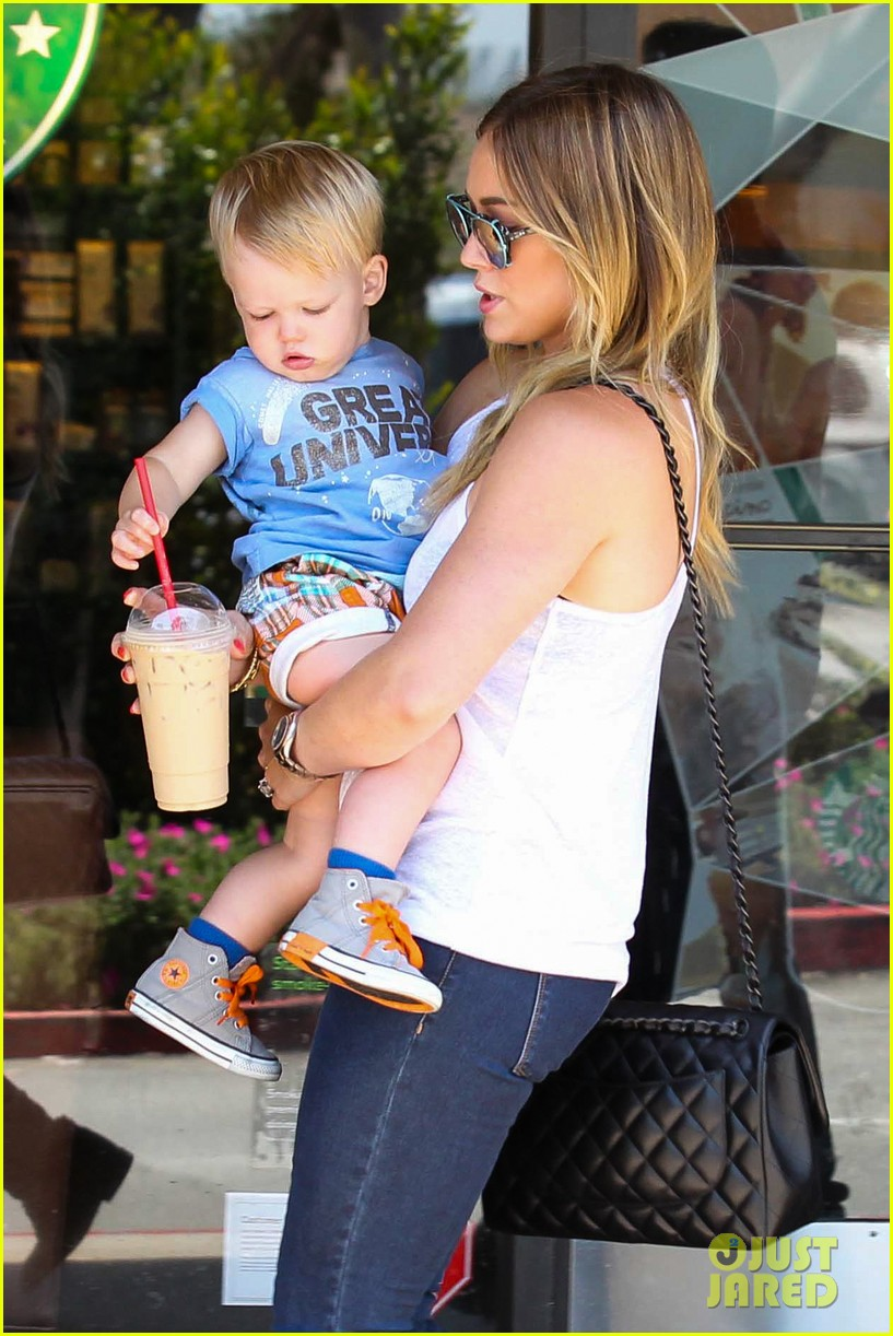 hilary duff fathers day weekend mike comrie baby luca 052892672