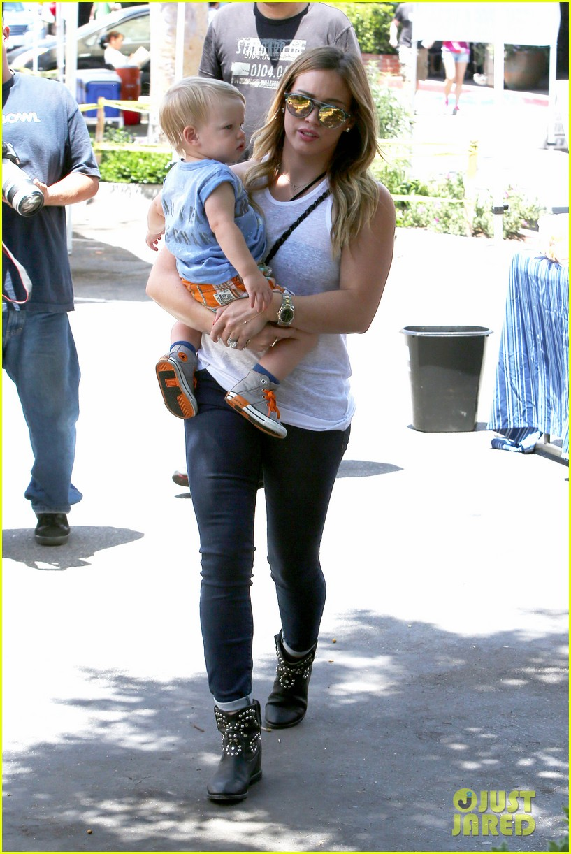 hilary duff fathers day weekend mike comrie baby luca 082892675
