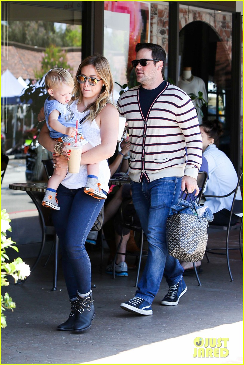 hilary duff fathers day weekend mike comrie baby luca 212892688