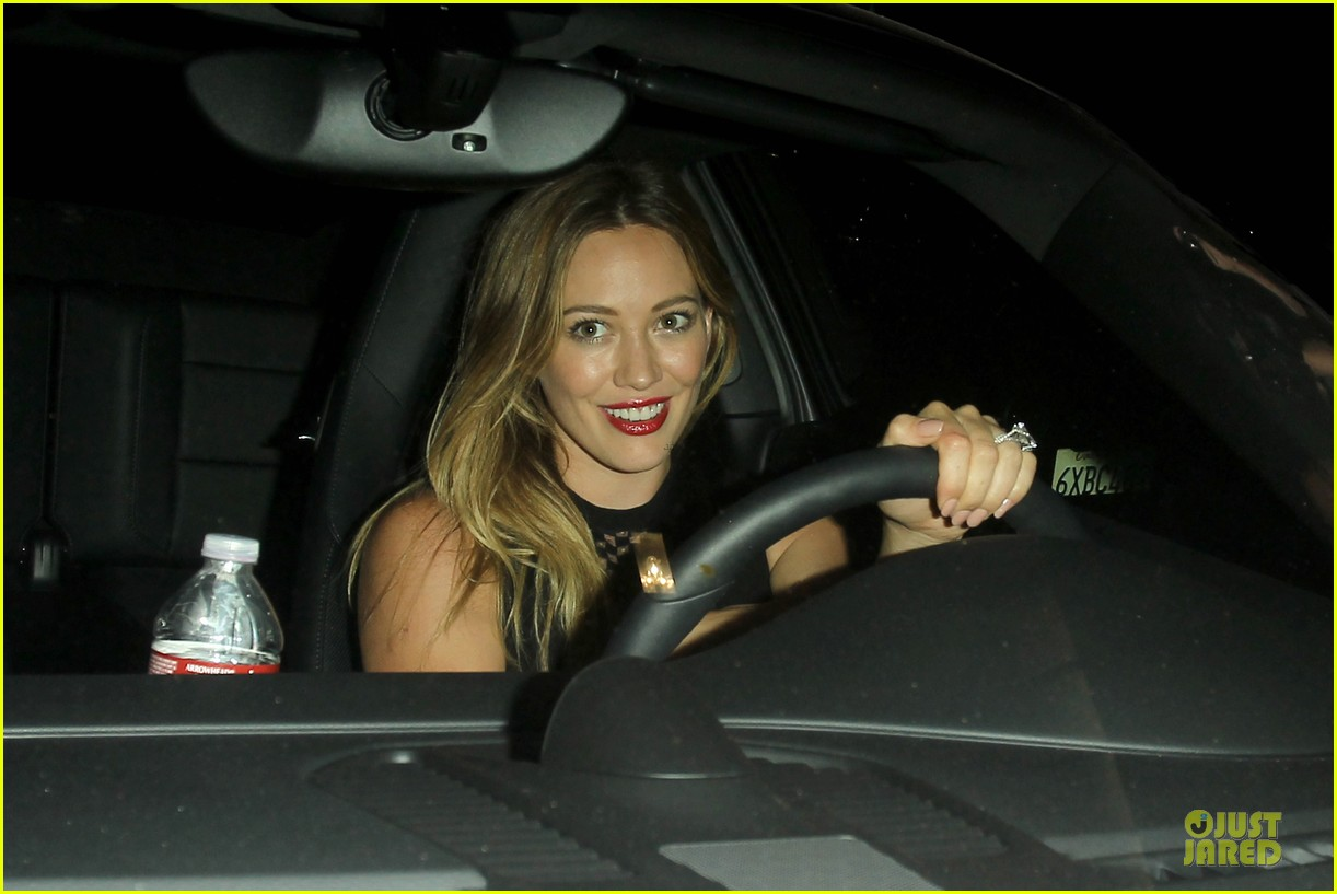 hilary duff hollywood freaks me out 022900293