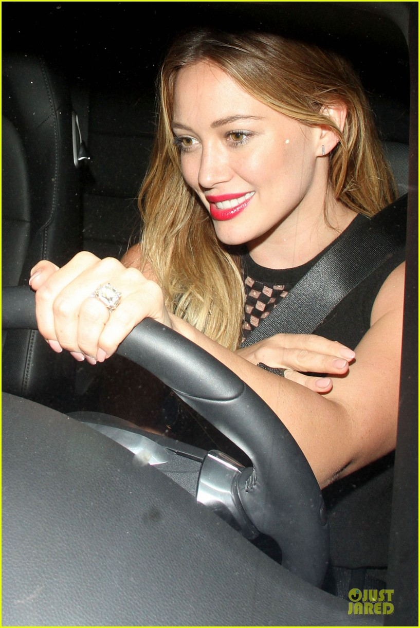 hilary duff hollywood freaks me out 082900299