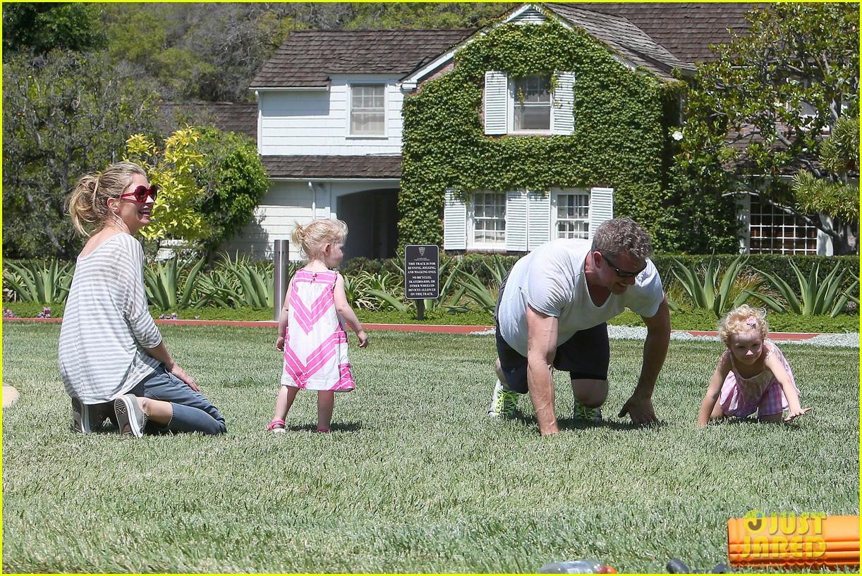 eric dane push ups with daughter billie 192897068