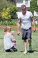 eric dane push ups with daughter billie 27
