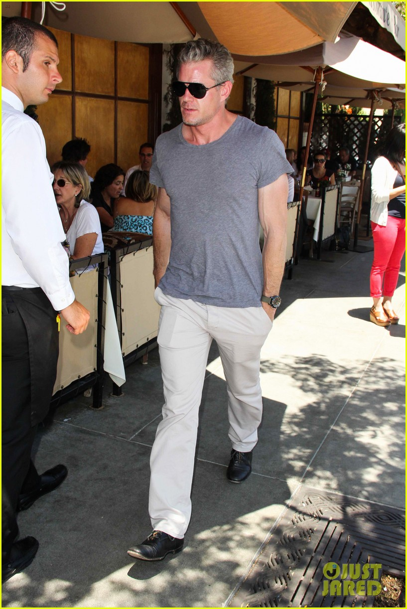 eric dane rebecca gayheart spend sunday with the girls 072882794