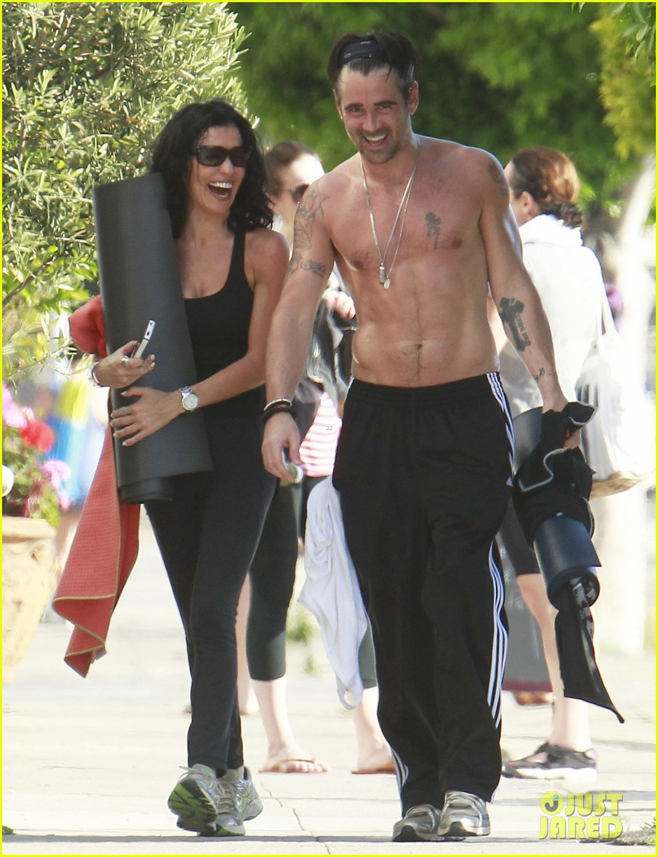 colin farrell shirtless yoga with sister claudine 092884137
