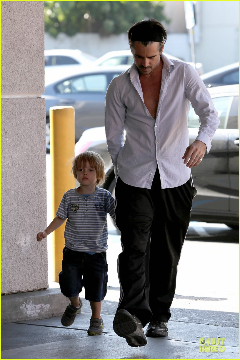 colin farrell rite aid snacks with henry 012891744