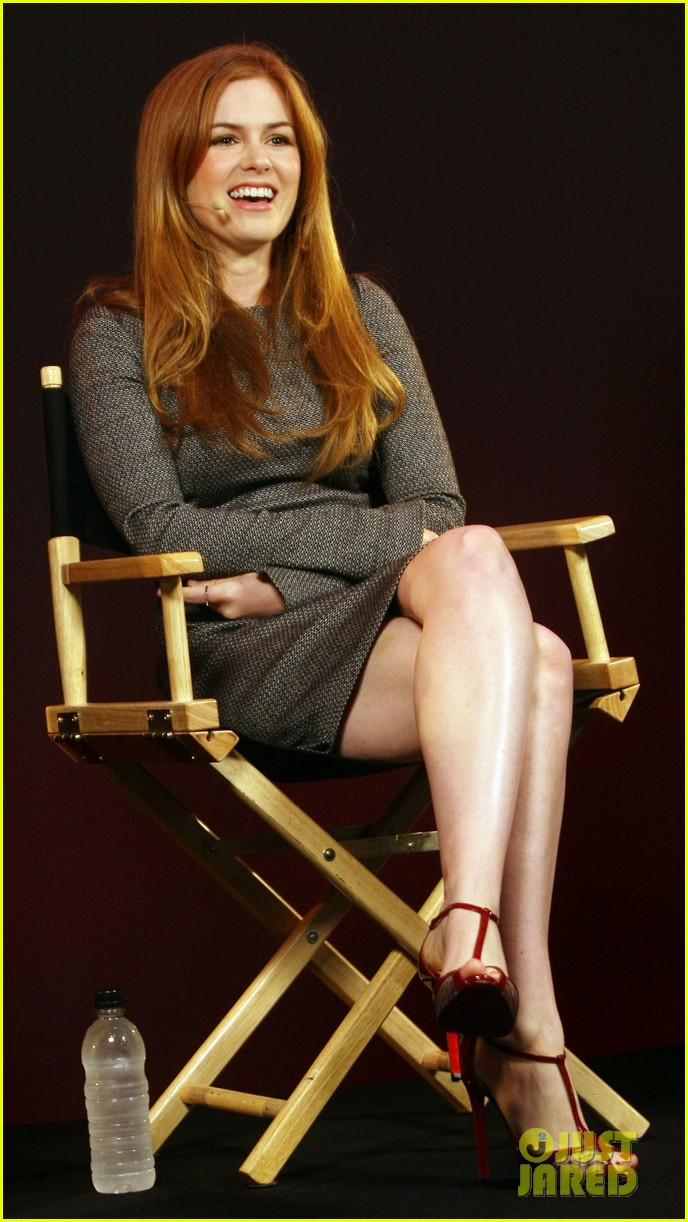 isla fisher apple store appearance in london 03
