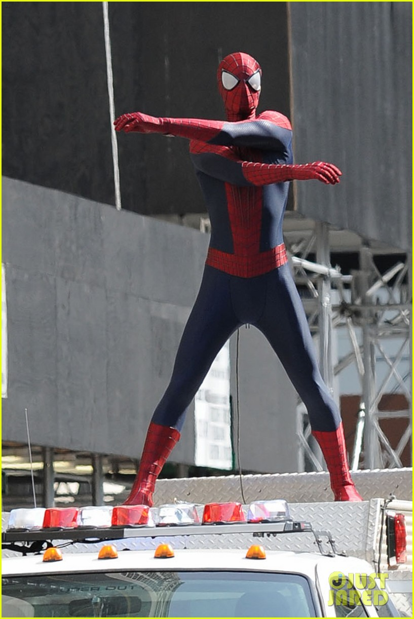 andrew garfield plays with kids on amazing spider man 2 set 172896620