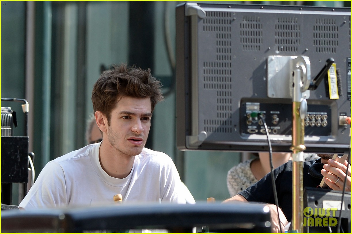 andrew garfield plays with kids on amazing spider man 2 set 262896629