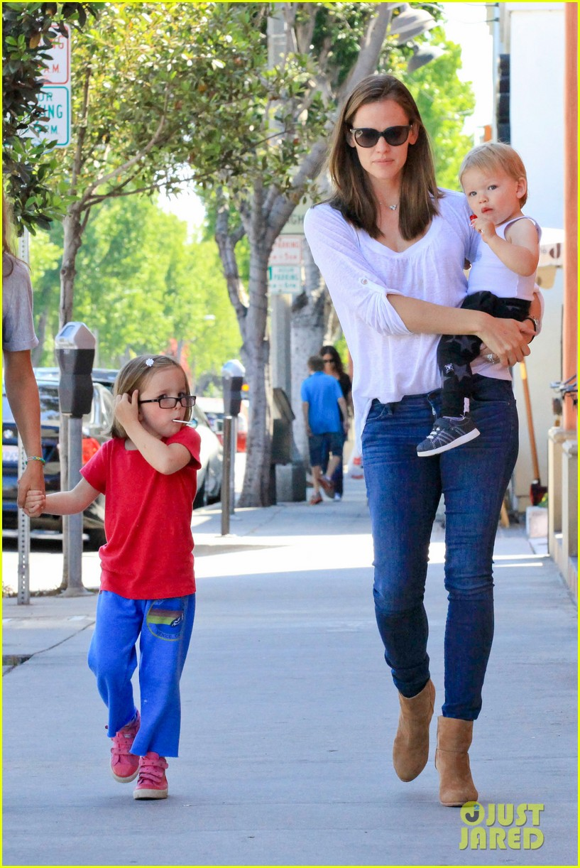 jennifer garner haircuts for seraphina samuel 032884757