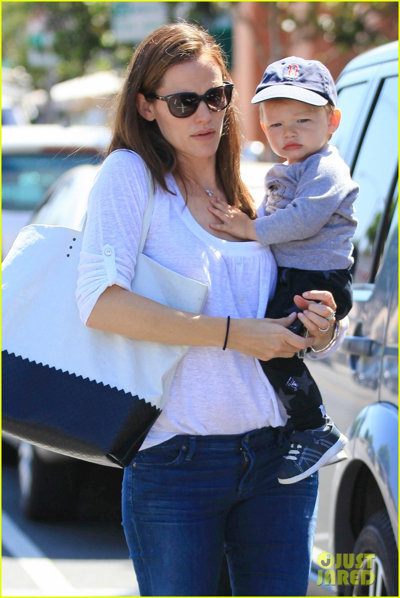 jennifer garner haircuts for seraphina samuel 232884777