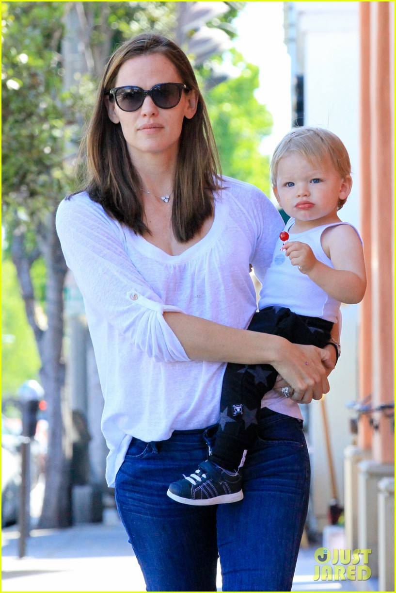 jennifer garner haircuts for seraphina samuel 282884782
