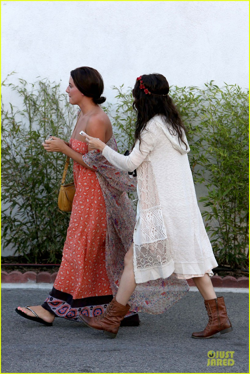 selena gomez im grateful for well wishes to baby sister gracie 112891653