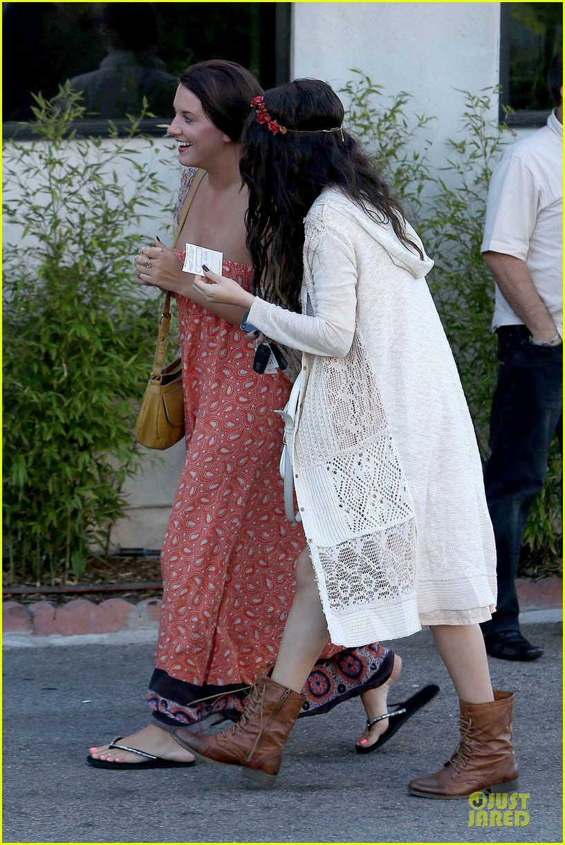selena gomez im grateful for well wishes to baby sister gracie 122891654