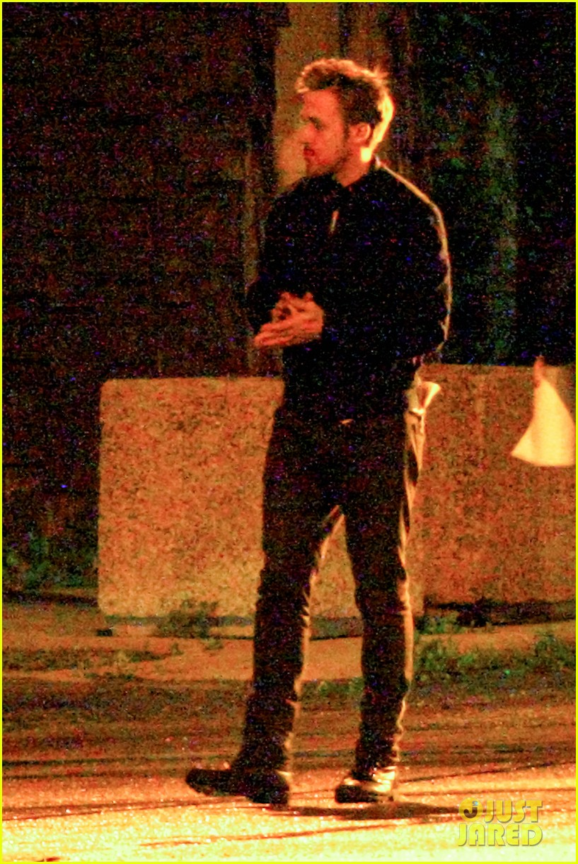 ryan gosling christina hendricks late night on monster set 042885936