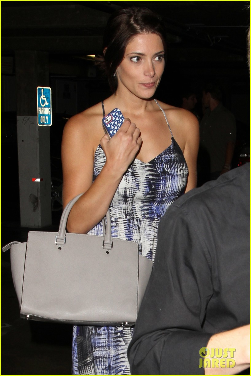 ashley greene wonderful night out with friends 192885674