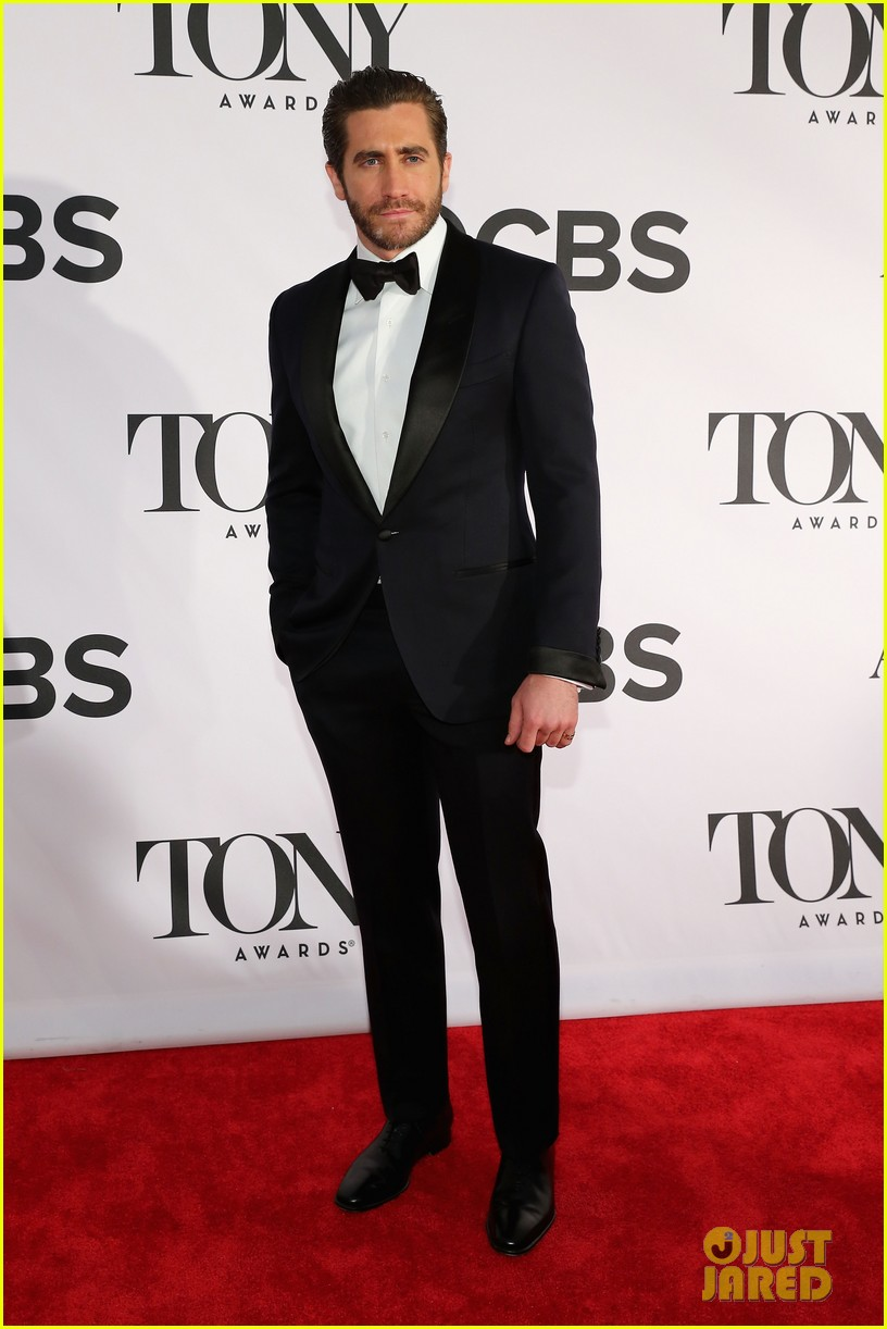 jake gyllenhaal tony awards 2013 red carpet 022887946
