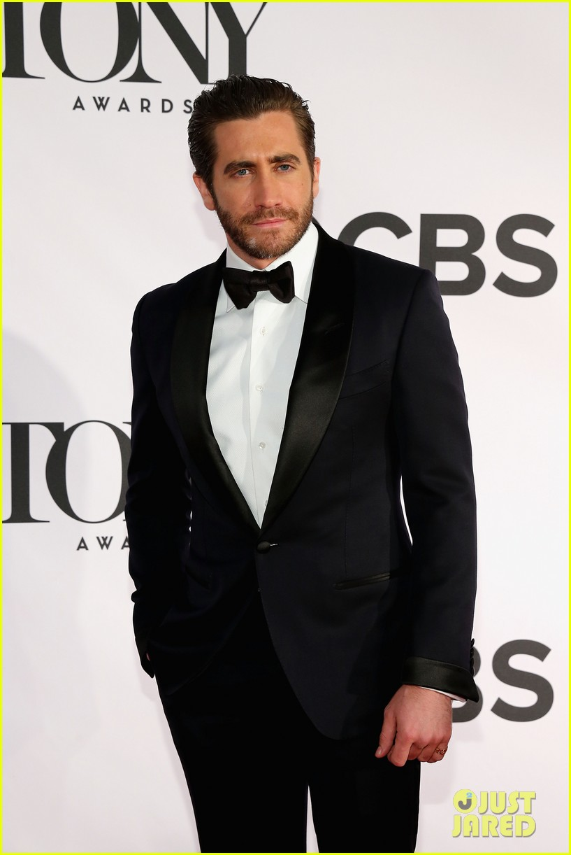 jake gyllenhaal tony awards 2013 red carpet 032887947