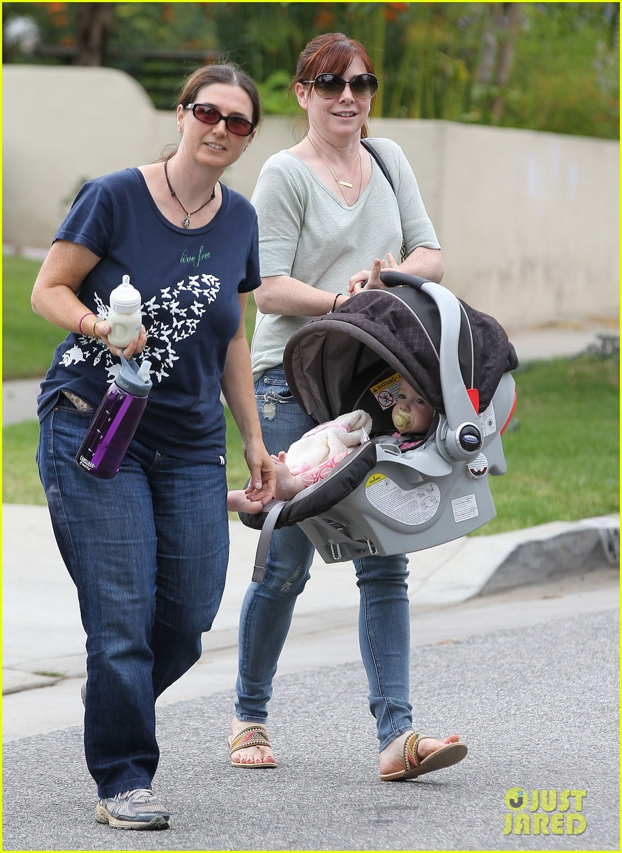 alyson hannigan girls day out with keeva 052898743