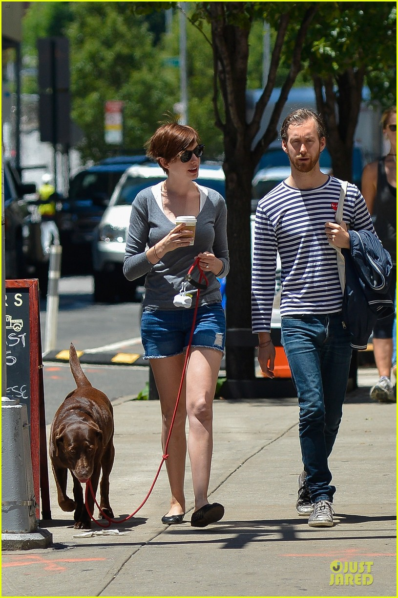 anne hathaway guitar carrying gal on song one set 032890147
