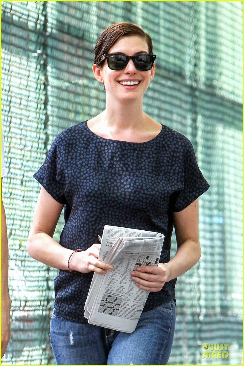anne hathaway guitar carrying gal on song one set 132890157