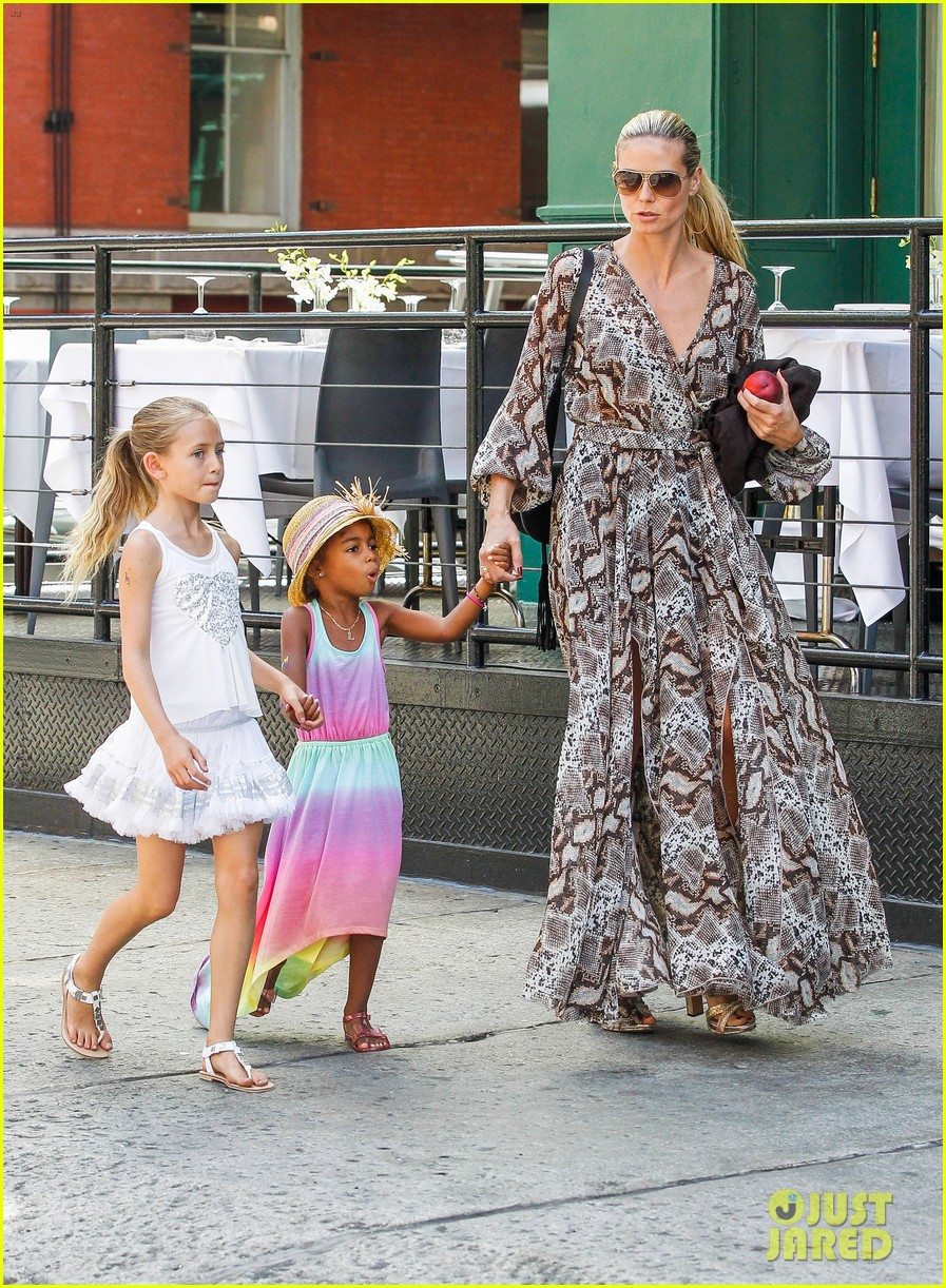 heidi klum martin kirsten take the kids to the park 482897233
