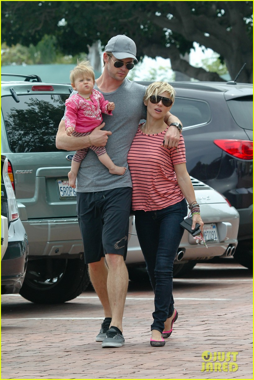 chris hemsworth hugs his family close in malibu 18