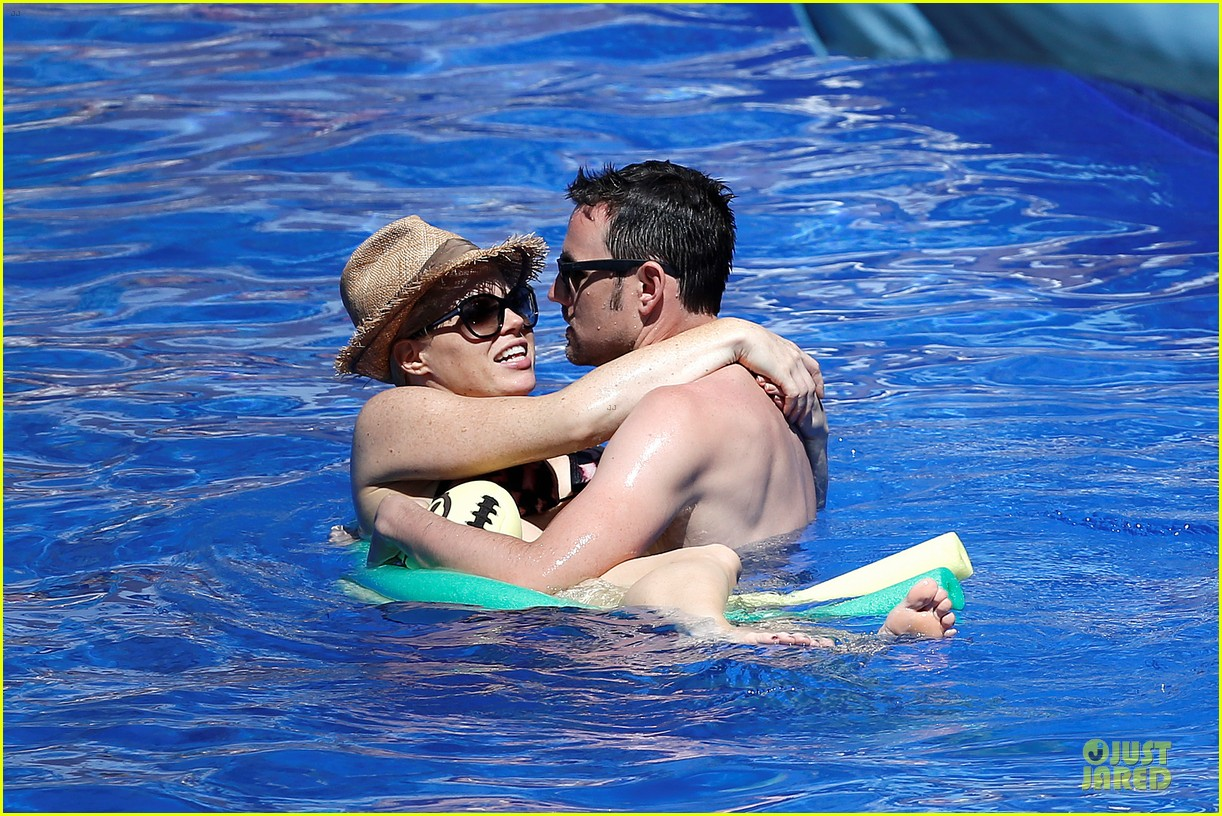 megan hilty cuddling with shirtless brian gallagher in hawaii 062881747