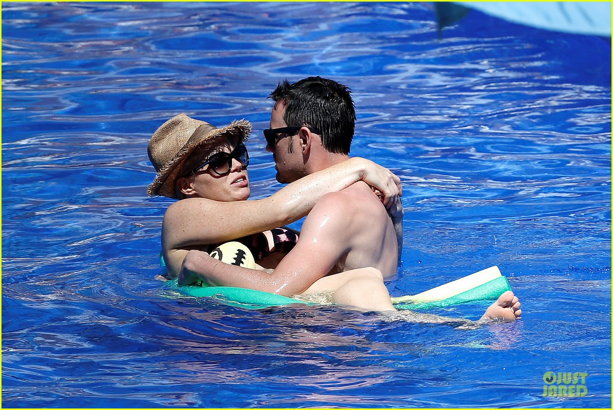 megan hilty cuddling with shirtless brian gallagher in hawaii 072881748
