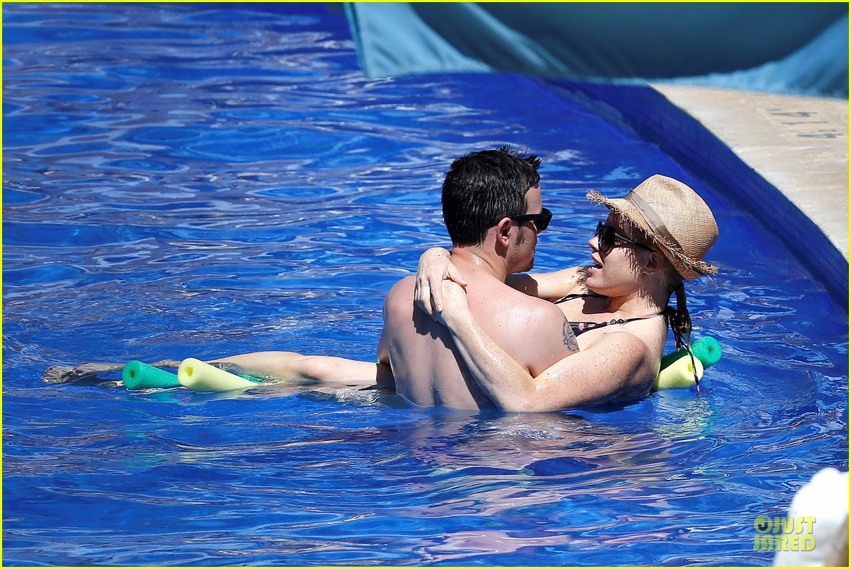 megan hilty cuddling with shirtless brian gallagher in hawaii 122881753